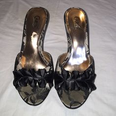 Carlos Santana high heels Size 7 beautiful high heels great for dressing up any outfit ! Used only a handful of times . Carlos Santana Shoes Heels