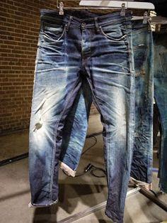 Denim Fashion, Fashion Pants, Denim Display, Edwin Jeans, Star Clothing, Estilo Jeans, Raw Denim, Men's Denim, All Jeans
