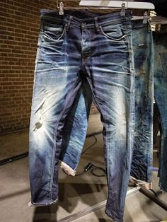 Denim Raw & Real Vintage…                                                                                                                                                                                 Mais