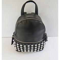 c802885ea3 A(z) Hátizsákok nevű tábla 7 legjobb képe   Beige tote bags, Fashion ...