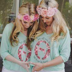 Kappa Alpha Theta at Arizona State University i love those shirts! Kappa Alpha Theta, Delta Zeta, Phi Mu, Sorority Sugar, Sorority Sisters, Sorority Outfits, Sorority Gifts, Theta Crafts, Bid Day Themes