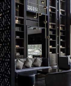 The 52 Best Grey & Black Interior Design Ideas - How to Use Grey & Black Wall Paint & Decor Black Painted Walls, Black Walls, Black Interior Design, Best Interior, Grey Furniture, Make Design, Design Ideas, Dark Interiors, White Rooms