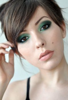 i never usually like green eye shadow, but this amazing, perfect from Christmas  Urban Decay. Verte. Black palette. Julie Hewett lipstick - Biba.