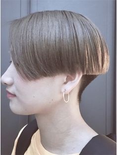 コード(KORD) 【GUEST_STYLE】#20                           ジェンダーレス Short Wedge Haircut, Edgy Short Haircuts, Short Bob Hairstyles, Hairstyles Haircuts, Short Hair Dont Care, Very Short Hair, Short Hair Cuts, Short Hair Styles, One Length Bobs
