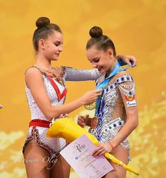 Averina twins World Cup Sofia 2018 Rhythmic Gymnastics Costumes, Gymnastics Photography, Artistic Gymnastics, European Championships, Contortion, Modern Dance, Beautiful Lines, World Championship, Olympic Games