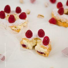 raspberry-pistachio Paris-Brest Paris Brest, Eclairs, Pistachio, Sweet Recipes, Raspberry, Cheesecake, Pasta, Cakes, Desserts