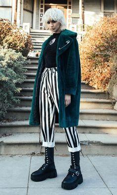 Androgynous Fashion, Punk Fashion, Street Fashion, Androgynous People, Punk Outfits, Cool Outfits, Fashion Outfits, Style Androgyne, Looks Dark
