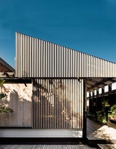 ArchiTeam Awards Highlights - The Design Files Roof Architecture, Sustainable Architecture, Residential Architecture, Modern Scandinavian Interior, Scandinavian Architecture, Timber Cladding, Courtyard House, The Design Files, Modern House Design