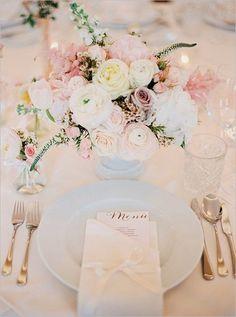 Blush Wedding Flowers and Table Decor Mod Wedding, Wedding Menu, Wedding Planning, Wedding Day, Trendy Wedding, Wedding Souvenir, Table Wedding, Chic Wedding, Wedding Bells
