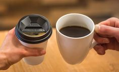 Viora is a new takeaway coffee cup lid which aims to make for a safer, more aromatic, and more comfortable drinking experience. To Go Coffee Cups, Take Away Coffee Cup, Ceramic Coffee Cups, Coffee Republic, Coffee Prices, Disposable Coffee Cups, Expensive Coffee, Premium Coffee, Coffee Company