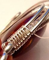 TUTORIALS Perfectly Twisted Handmade Wire Wrapped Beaded and Gemstone Jewelry: Learning to Weave Jewelry Wire - Basic 1 to 1 loop and coils