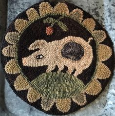 A delightful spotted pig is hand drawn on quality primitive linen with generous borders to fit your frame. Offering Spotted Pig LINEN rug hooking