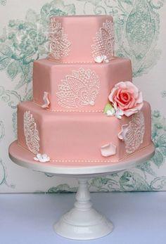 Vintage Wedding Cakes   Vintage Style Peach Wedding cake   redcakecompany