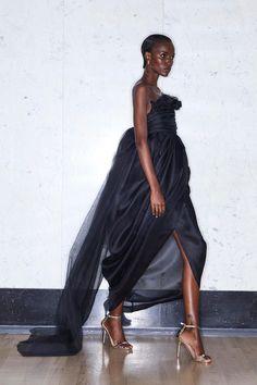 Greta Constantine Resort 2020 Fashion Show Collection: See the complete Greta Constantine Resort 2020 collection. Look 6 Fashion Weeks, Fashion 2020, Urban Fashion, Unique Fashion, Love Fashion, Runway Fashion, High Fashion, Fashion Show, Fashion Pics