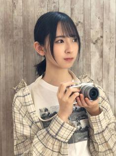 Japanese Girl Group, Beauty Shots, Pose Reference, Sunnies, Beautiful Women, Kawaii, Poses, Layout, Figure Poses