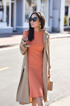 10 Pieces Every Girl Boss Should Have in Her Closet - The Effortless Chic - girl boss Moda Fashion, Womens Fashion, Fashion Tips, 80s Fashion, Fashion Bloggers, Ladies Fashion, Korean Fashion, Spring Fashion, High Fashion