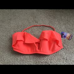 Forever 21 Swim Top Gorgeous bright red Ruffled bikini top with removable halter. Has a good amount of padding. No underwire. Brand new with tags! Forever 21 Swim Bikinis