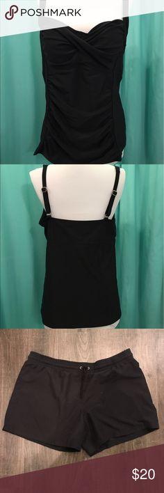 2 piece black swim suit XL top and 16/18W shorts. Swim