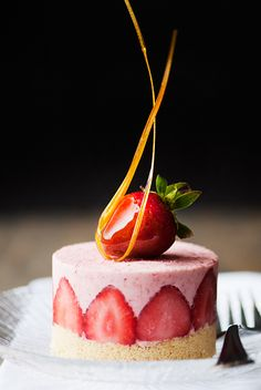 strawberry semifreddo recipe use real butter Mini Desserts, Individual Desserts, Elegant Desserts, Beautiful Desserts, Frozen Desserts, Summer Desserts, Just Desserts, Dessert Recipes, Plated Desserts
