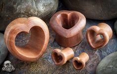 Saba wood heart eyelets