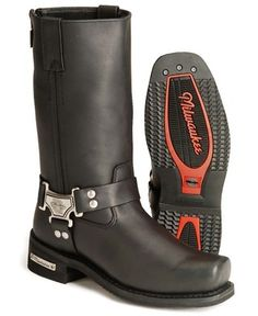 O my gosh I have to have these! Mens Motorcycle Boots, Mens Shoes Boots, Biker Boots Men, Man Boots, Botas Harley Davidson, Cruiser Bike Accessories, Leather Men, Leather Boots, Moda Men