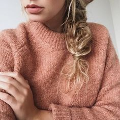 Warm knits and braids. Anouk Yve in Samsøe & Samsøe Leanne knit.