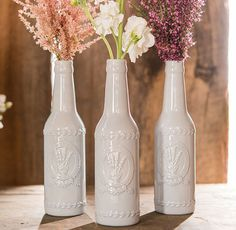 With the addition of flowers or all on their own, these vintage inspired ceramic bottle with lavender motif are a fantastic element that will add distinctive flair to your wedding decor. Place them on guest tables, line your aisle or even use them as par Wedding Vase Centerpieces, Diy Wedding Decorations, Lavender Centerpieces, Centrepiece Ideas, Centrepieces, Table Decorations, Bodas Shabby Chic, Diy Home Decor For Apartments, Bottles And Jars