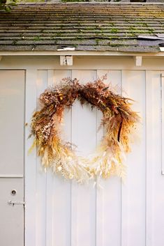 Wild at Heart: Inside Floral Designer Amy Merrick's New Hampshire Family Home - Modern Dried Flower Wreaths, Dried Flower Bouquet, Dried Flowers, Wild At Heart, Dried Flower Arrangements, Fall Arrangements, New Hampshire, Parfait, Amy