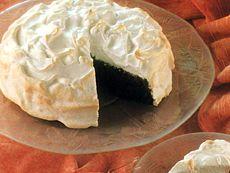 Gâteau au chocolat et aux griottines meringué