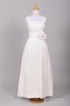 1950+Cotton+Eyelet+Vintage+Wedding+Gown+:+Mill+Crest+Vintage