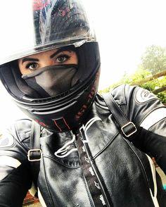 いいね!3,622件、コメント17件 ― @girlsbikerのInstagramアカウント: 「@missrosee94 -  #bikers_lifestyle #bikerchick #shoeihelmets #alpinestars #motorbike #femalerider…」