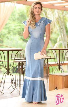 Precious Tips for Outdoor Gardens - Modern Modest Dresses, Trendy Dresses, Nice Dresses, Womens Denim Dress, Dress Outfits, Fashion Outfits, Evening Dresses With Sleeves, Denim Ideas, Kurta Designs Women