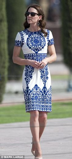 Kate Middleton seen wearing £6 earrings during Taj Mahal visit with Prince William | Daily Mail Online