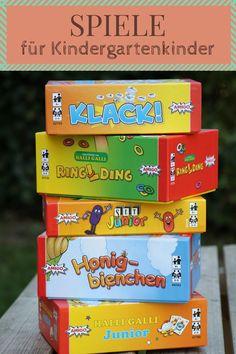 Spiele für Kindergartenkinder: Ideen Gesellschaftspiele für Kinder ab drei Jahren. Die Gesellschaftsspiele Tipps sind sehr abwechslungsreich. Es handelt sich um Kartenspiele für Kinder, die die Konzentration von Kindern fördern, die Frustrationstoleranz von Kindern fördern und die Merkfähigkeit von Kindern fördern. - Werbung