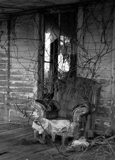 old chair | This was on the porch of the old house in this s… | Flickr