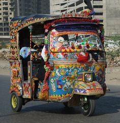 Rickshaw Colors - Karachi, Pakistan - http://pakistan.mycityportal.net