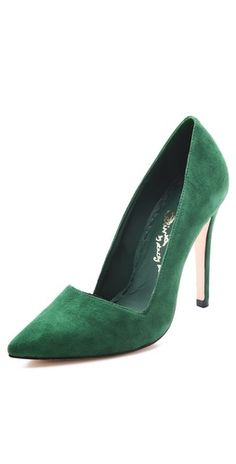 emerald suede pumps <3