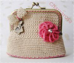 Hacer monederos a ganchillo - Imagui Crochet Wallet, Crochet Coin Purse, Crochet Purses, Holiday Crochet Patterns, Wallet With Coin Pocket, Frame Purse, Minimalist Wallet, Tiny Treasures, Crochet Handbags