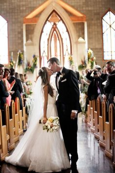 Wedding Photography, wedding Day Photo List, wedding photo ideas, wedding photographer, and photo checklist, funny wedding photos, romantic bride and groom