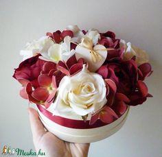 Szíves virág doboz orchideákkal (Decoflor) - Meska.hu Flowers, Plants, Plant, Royal Icing Flowers, Flower, Florals, Floral, Planets, Blossoms