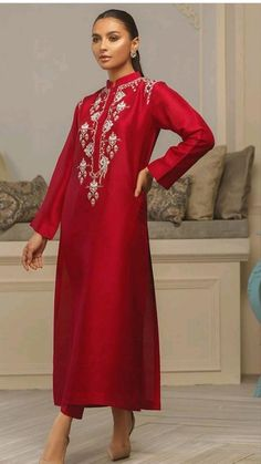 Asian Wedding Dress Pakistani, Pakistani Fashion Party Wear, Pakistani Dress Design, Pakistani Dresses, Indian Dresses, Mexican Dresses, Designer Party Wear Dresses, Indian Designer Outfits, Stylish Dresses