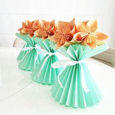 Vaso Plissado de Kusudama, técnica de origami, vira um originalíssimo elemento na decoração de qualquer festa!