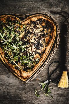 Suppilovahveropiirakka | Maku How To Dry Basil, Nom Nom, Good Food, Fun Food, Cabbage, Food And Drink, Cooking Recipes, Herbs, Baking
