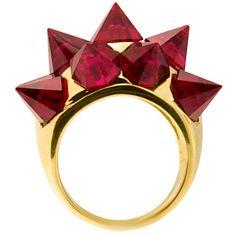 Aylin Aker - Ring in 18 karat gold and gorgeous garnets