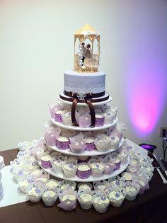 Vintage Cupcake Tower 224x300 1950s Wedding Cake Ideas cakepins.com