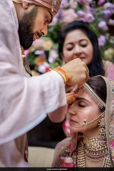 New Virat Anushka Wedding Pictures are here along with never seen before Wedding Teaser from Tuscany. Anushka Sharma Virat Kohli, Virat And Anushka, Bollywood Couples, Bollywood Wedding, Bollywood Stars, Wedding Album, Wedding Pics, Wedding Couples, Wedding Goals