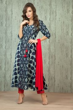 - Chanderi cotton indigo kurta with trouser and dupatta Pakistani Dresses, Indian Dresses, Indian Outfits, Salwar Designs, Blouse Designs, Indian Attire, Indian Wear, Salwar Pattern, Ethnic Dress