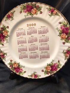 RARE OLD COUNTRY ROSES 2000 CALENDAR PLATE ROYAL ALBERT BONE CHINA ENGLAND