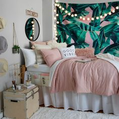 Pink and Grey and White Dorm Room Inspiration. Beach vibes Pink and Grey and White Dorm Room Inspiration. Cute Bedroom Ideas, Room Ideas Bedroom, Teen Room Decor, Teen Bed Room Ideas, Teen Room Colors, Cozy Bedroom Decor, Diy Bedroom Decor For Teens, Bedroom Inspo, Bedroom Themes