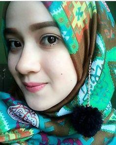 Foto dari samping #like #follow4follow #cantik #hijaber #instagood #selebgram #indonesia #dagelan #ootdhijab #kerudung #beuty #followme #like4like #followforfollow #hijabbeuty #hijabindonesia #selfie #ootd #cantik #jilbab #kekinian #dagelan #hijaber #fff #if #manis #hijab